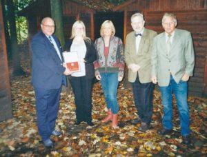 Spendenübergabe der Ursula Wulfes Stiftung an den Förderverein Waldkindergarten